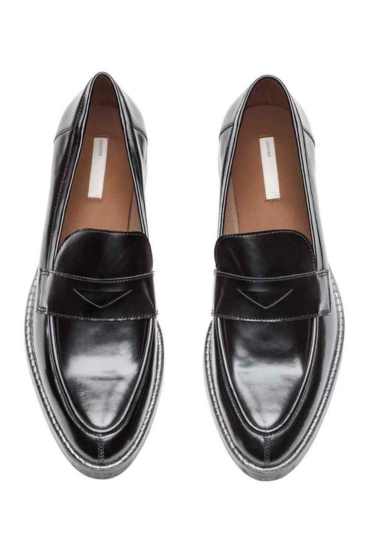 tendance chaussures 2017 2018 mocassins en cuir noir femme h m be. Black Bedroom Furniture Sets. Home Design Ideas