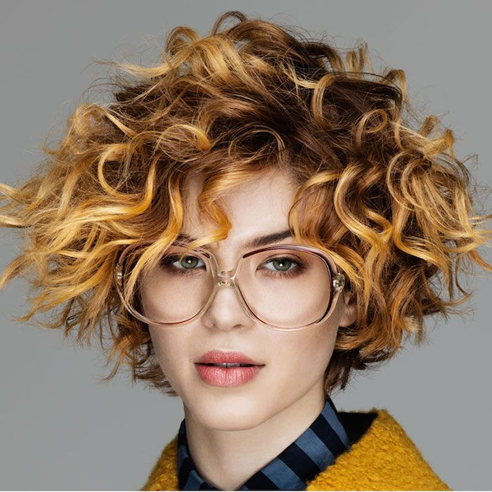 Coupe courte cheveux chatain