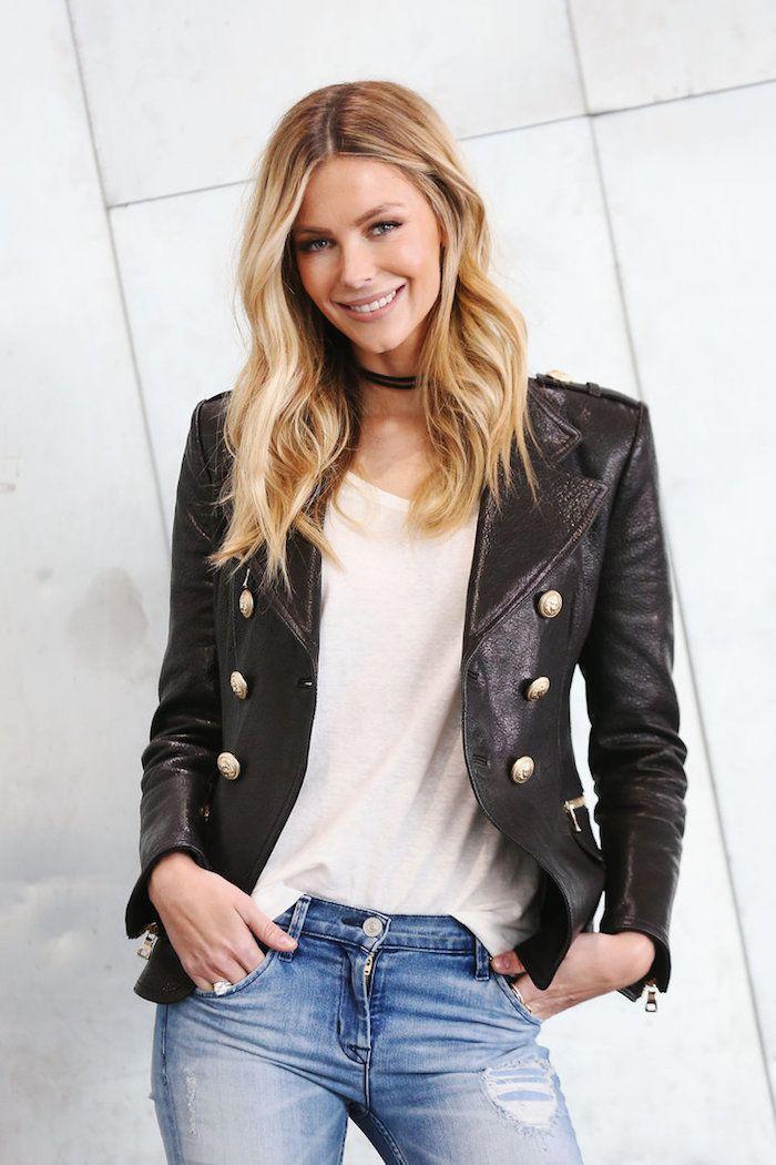 id e coiffure couleur de cheveux tendance paire de jeans claires mod le femme blouse blanch. Black Bedroom Furniture Sets. Home Design Ideas