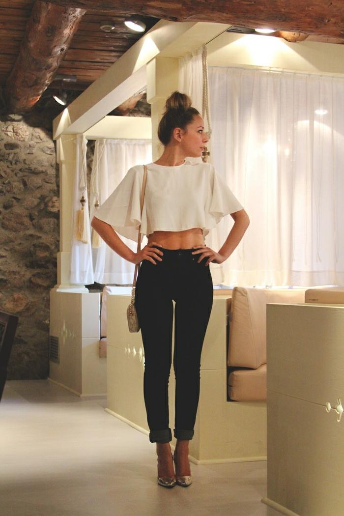 8fa527ab016 Tenues chic femme tenue chic et classe femme beauté et mode féminine top  papillon
