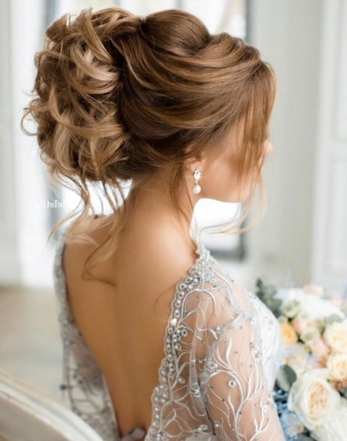 id e coiffure la coiffure mari e boh me coiffure de mari e cheveux long chignon haut madame. Black Bedroom Furniture Sets. Home Design Ideas