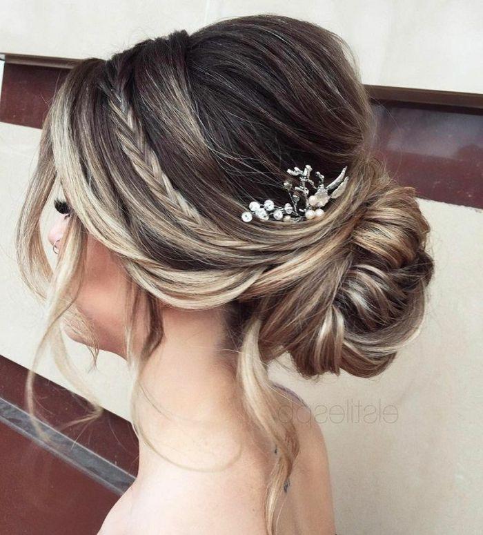 Idee Coiffure Quelle Coiffure De Mariee Cheveux Courts Coiffure Mariee Cheveux Fins Chignon Madame Tn Magazine Feminin Numero 1 Mode Beaute Shopping Lifestyle