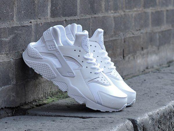tendance-chaussures-2017-2018-tendance-basket-femme-2017-nike-air-huarache -white-blanc-casse-basket-femme.jpg