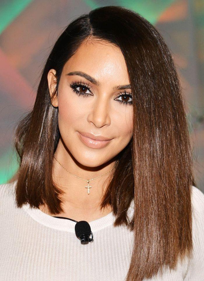 Idee Coiffure Kim Kardashian Avec Un Carre Plongeant Long Classique