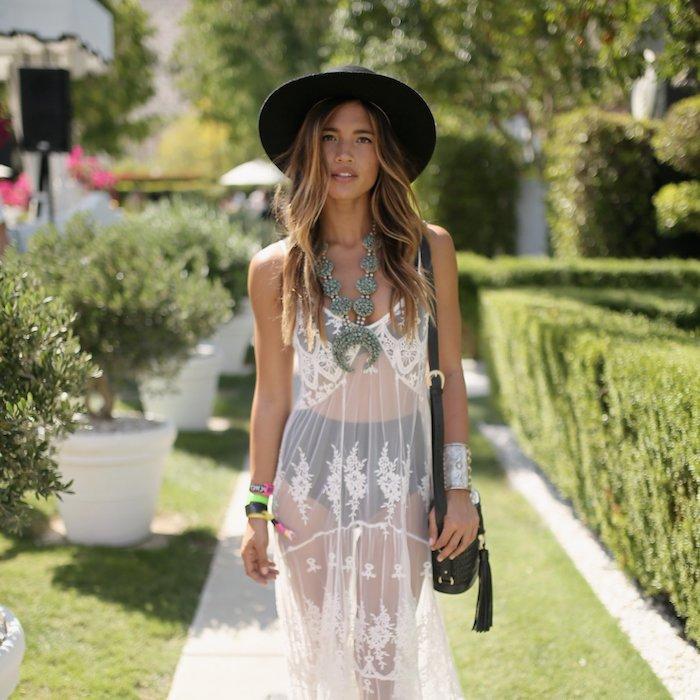 620eb11f325 Idée tenue boheme robe blanche femme robe longue boheme chic pour un  festival de musique comment