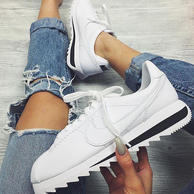 buy online f0688 6d0f2 Tendance Chaussures 2017  2018   Sneakers femme - Nike Cortez ...