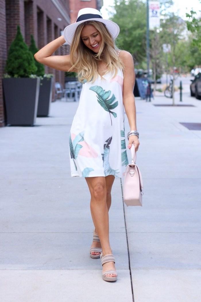61bc75c02c4 Adorable robe légère été à motif tropique – choisir le style qui vous fait  heureux