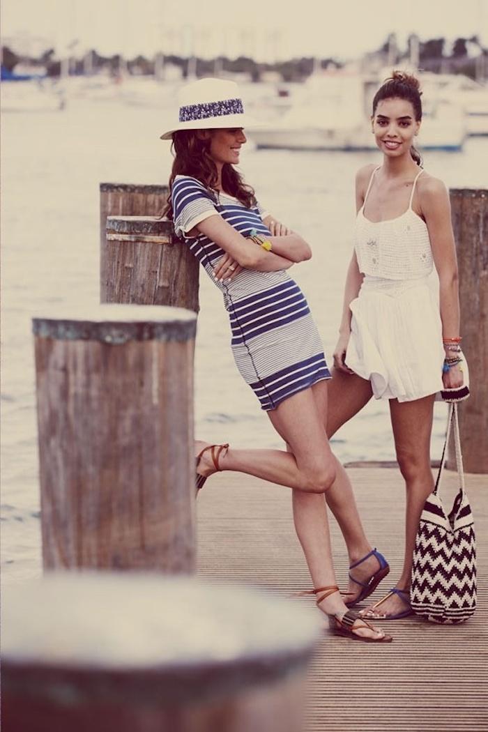 f132db481a3 Choisir une robe droite fluide robe legere robe fluide courte cool tenue  amies plage vacances tenue