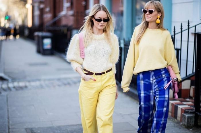 avec quelle couleur associer le jaune pour une tenue chic, exemple de pantalon jaune à taille haute avec ceinture marron