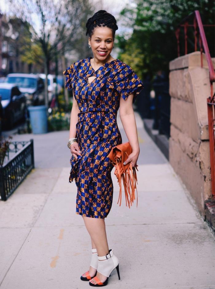 une robe africaine moderne aux épaulettes originales