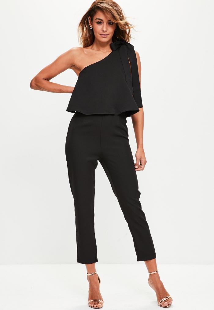 combinaison pantalon femme habillée chic de couleur noir à décolleté double et col asymétrique de longueur cheville