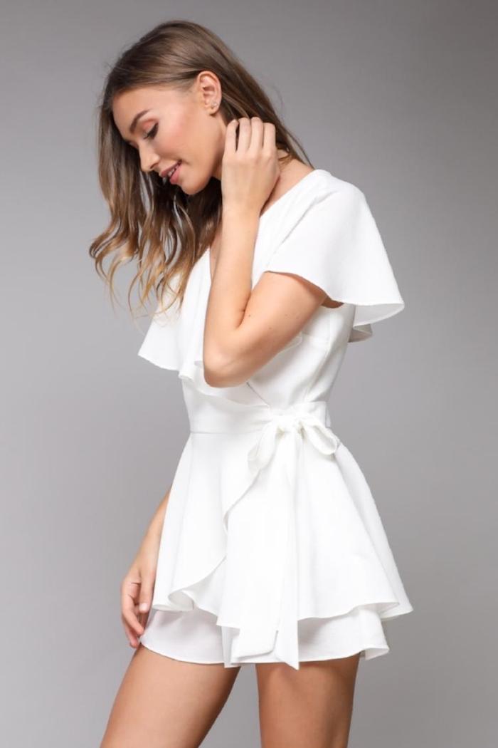 Adopter le combishort blanc, tenue de soirée combinaison mariage femme, tenue bohème chic blanche
