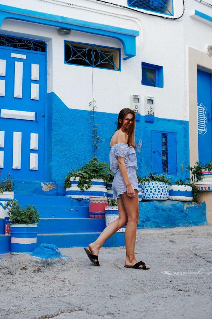 Tenue combishort dentelle, combinaison chic femme, combishort pour l'été légère tenue stylée, les rues en Grèce
