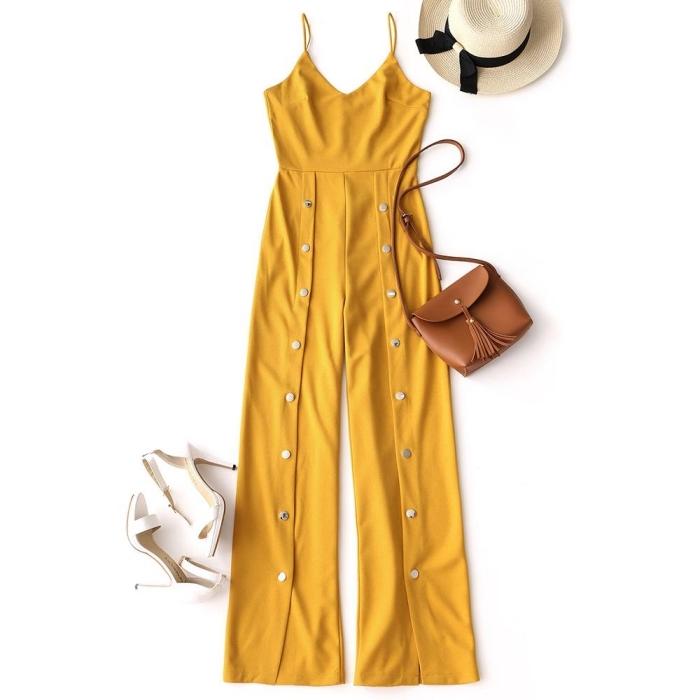 idée comment assortir une combipantalon de couleur jaune moutarde avec un sac à main marron et capeline blanche