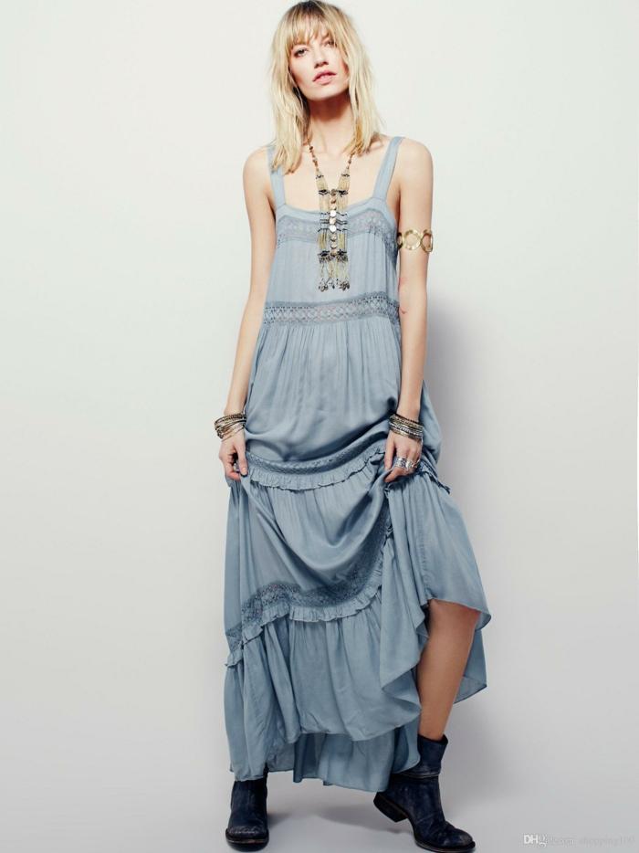 vetement boheme romantique, vetement hippie chic, tenue boheme chic en couleur bleu pastel, bretelles épaisses