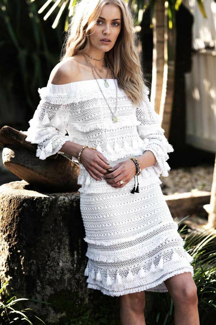 robe hippie chic dentelle avec les épaules dénudées, longueur midi, robe boheme mariage, vetement hippie chic, robe champetre chic