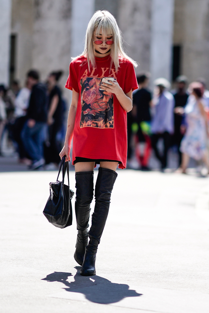 Cuissarde en cuir, comment porter des cuissardes automne, look cuissardes plates, tee shirt rock cool
