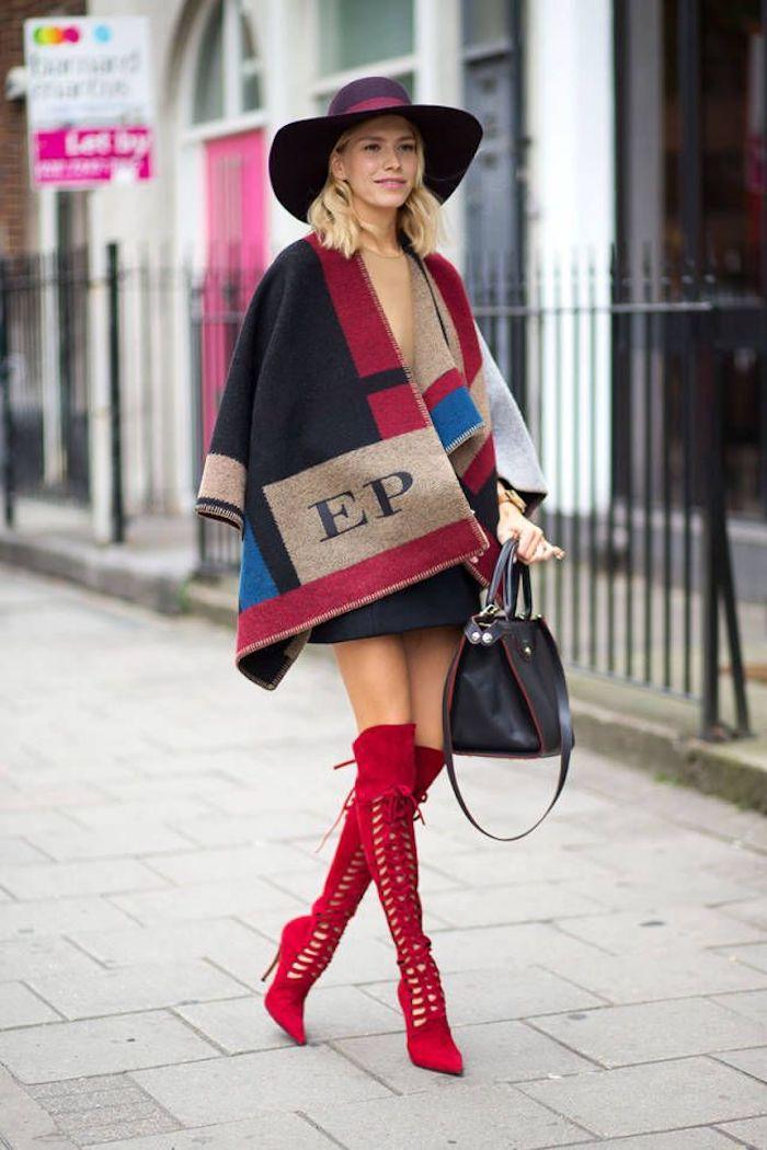 Comment porter de cuissarde, idée comment porter des cuissardes rouges à trous 2018 automne, femme stylée avec bottes rouges