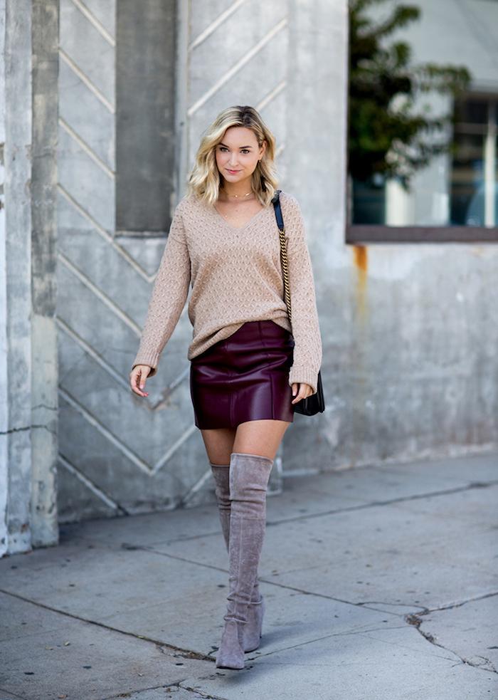 Cuissardes gris et mini-jupe simili cuir bordeaux combinaison, cuissardes velours, comment s habiller quand on est petite