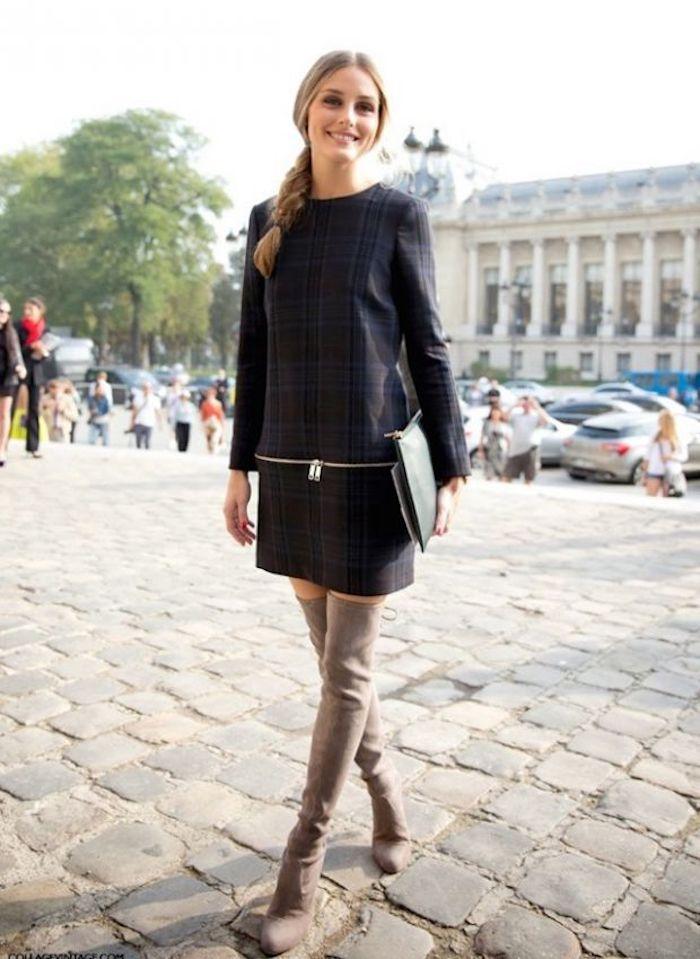 Tenue avec cuissarde Olivia Palermo, look avec cuissarde, robe pull et cuissarde tenue automne 2018