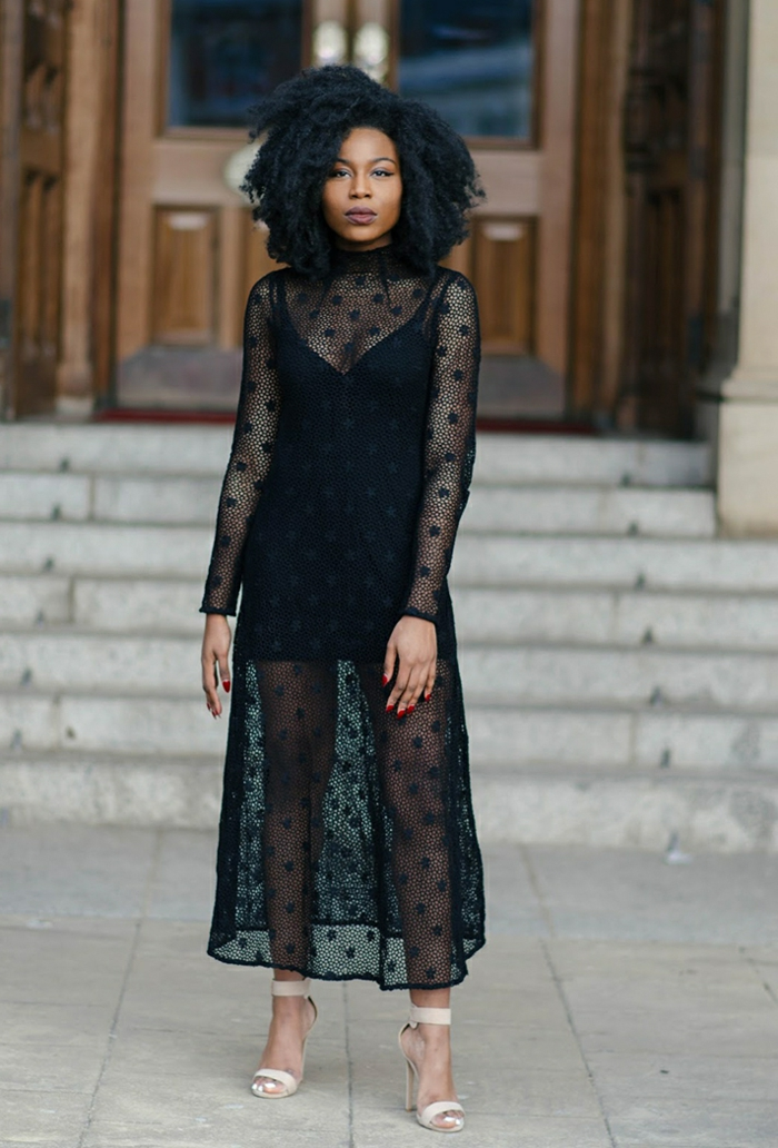 robe dentelle en chiffon avec plumetis, col montant, robe longue invitée mariage
