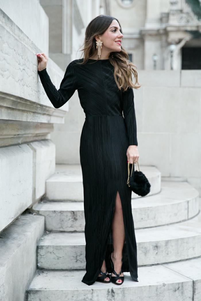 robe longue invitée mariage, robe fendue, sac noir moelleux, boucles d'oreilles plantureuses