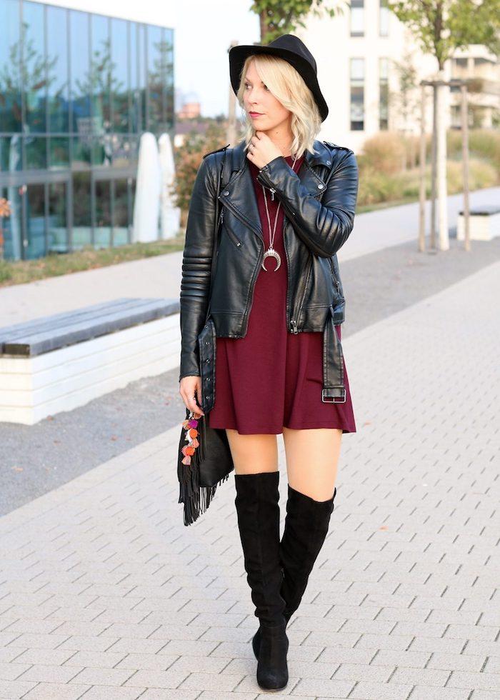 Tenue d'hiver chic, comment être bien habillée avec cuissardes, tenue avec cuissardes, velours bottes noires avec quoi porter une robe courte et veste cuir