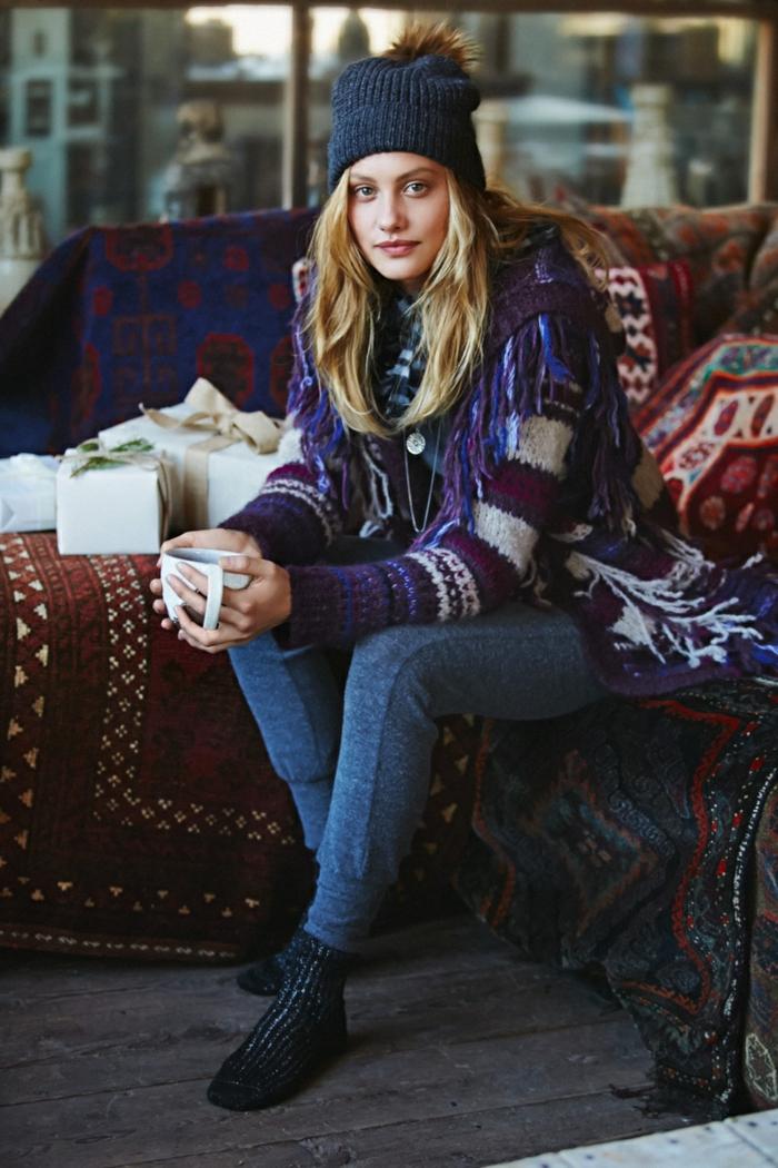 Belle tenue boheme chic femme jolie, comment accessoiriser et adopter une tenue boheme pour cet hiver, pull motif tribal