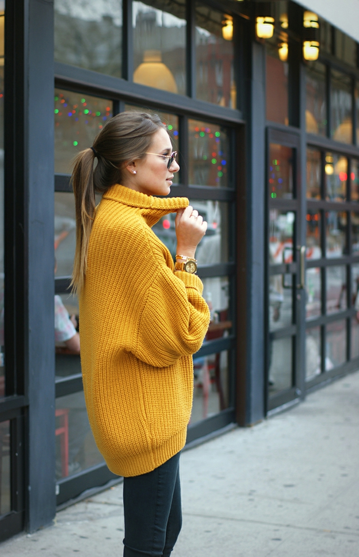 Chaussure boheme manteau fausse fourrure femme style hippie chic, jaune pull pour automne, style de pullover over sized