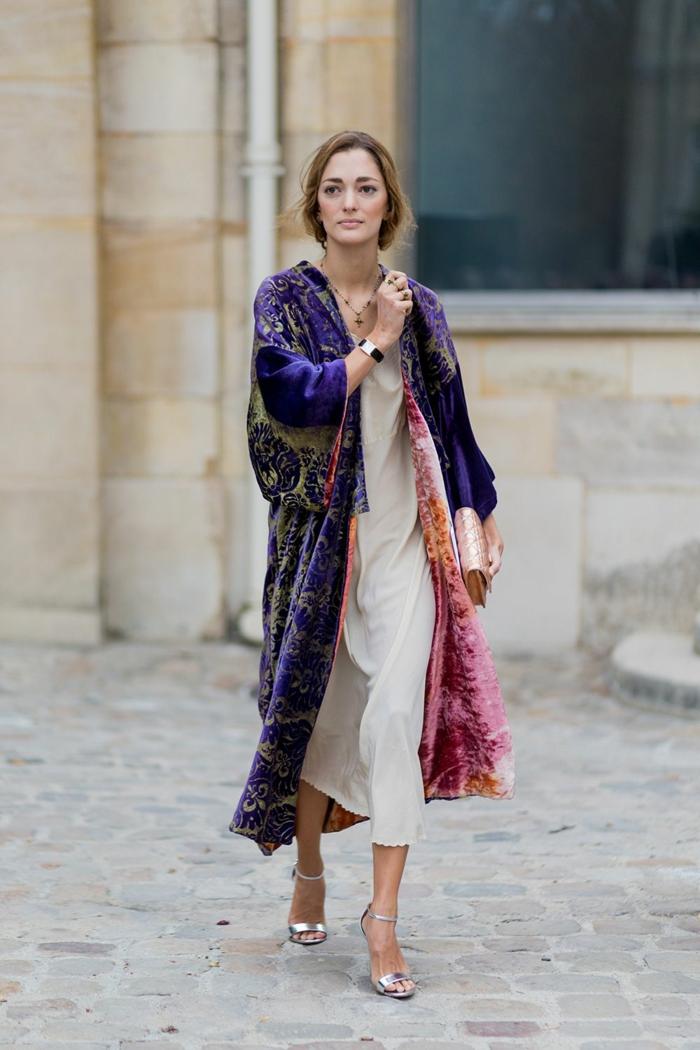 Robe bohème chic associé à manteau hippie magnifique, tenue d hiver tendance décontractée chic 2018-2019