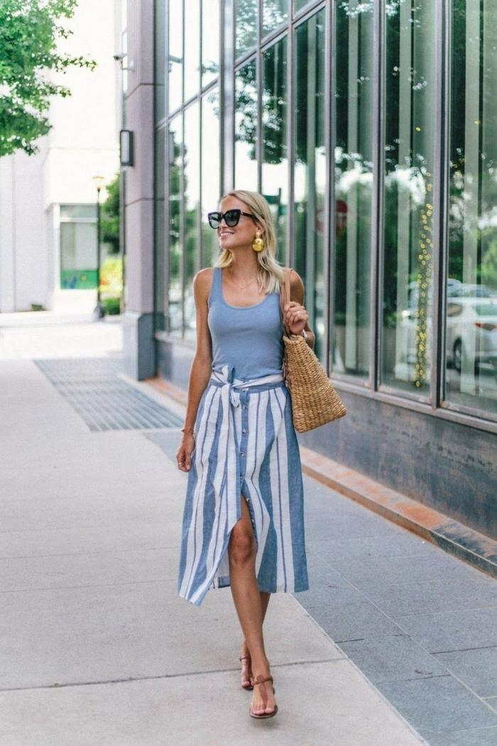 Jupe et top bleu et blanc, sens de mode d'été, femme robe été mi-longue, vetement femme tendance boheme chic