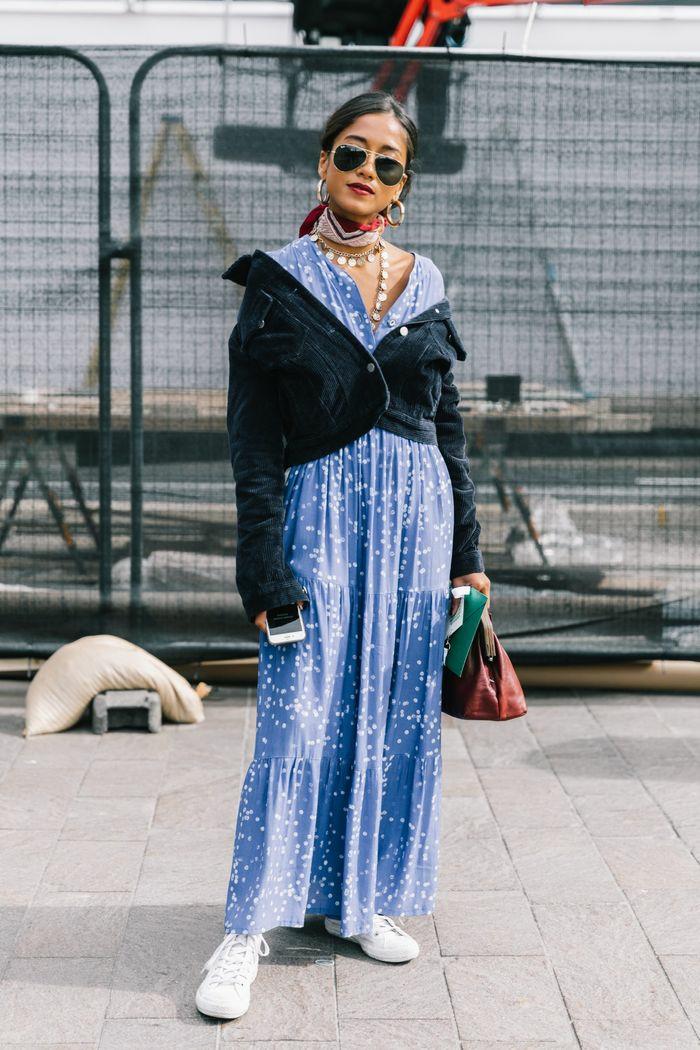 Tenue avec baskets, longue robe bohème mode femme 2019, tendances mode ete 2019, idée tenue pour femme