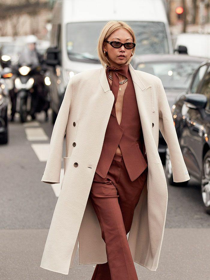 manteau longue blanche tailleur femme casual chic femme mode parisienne style sans efforts