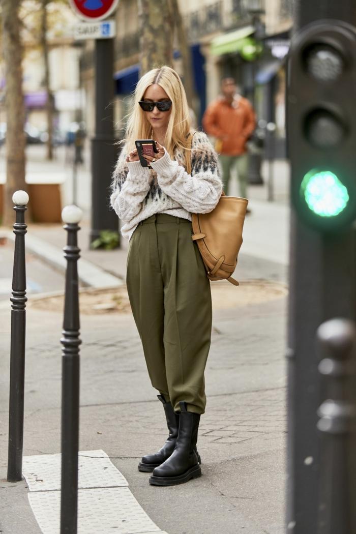 mode parisienne ensemble tailleur femme chic style bcbg pantalon evasee pull grosse maille