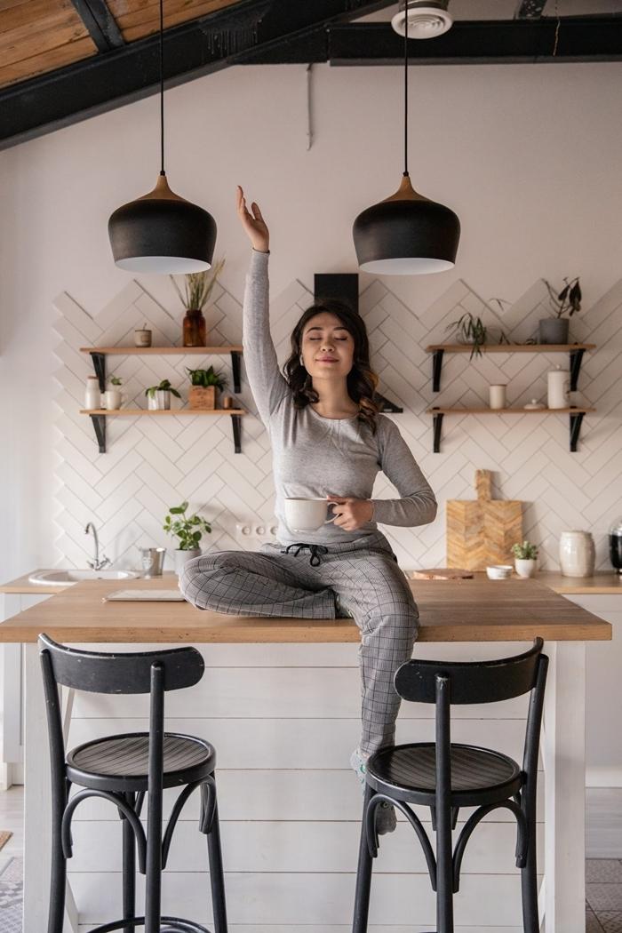 ensemble blouse grise tenue décontractée femme pantalon loose carreaux gris vêtements confortable