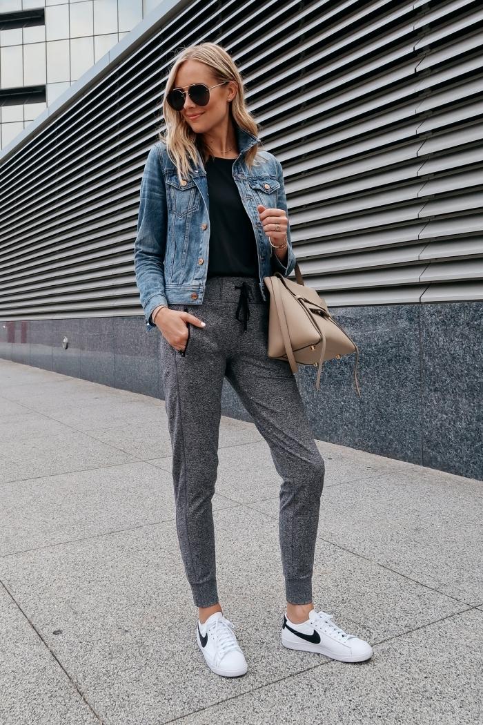 blanches baskets jogging nike femme sport tenue vêtements pantalon gris sac a main beige