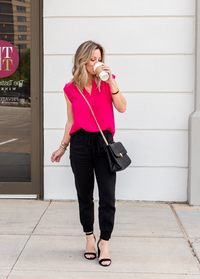jogging noir femme sandales talons sac bandoulière top rose fuschia bracelet mode femme