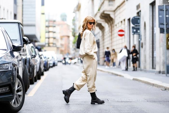 style vestimentaire sport casual chic bottines militaires cuir noir jogging blanc femme ensemble