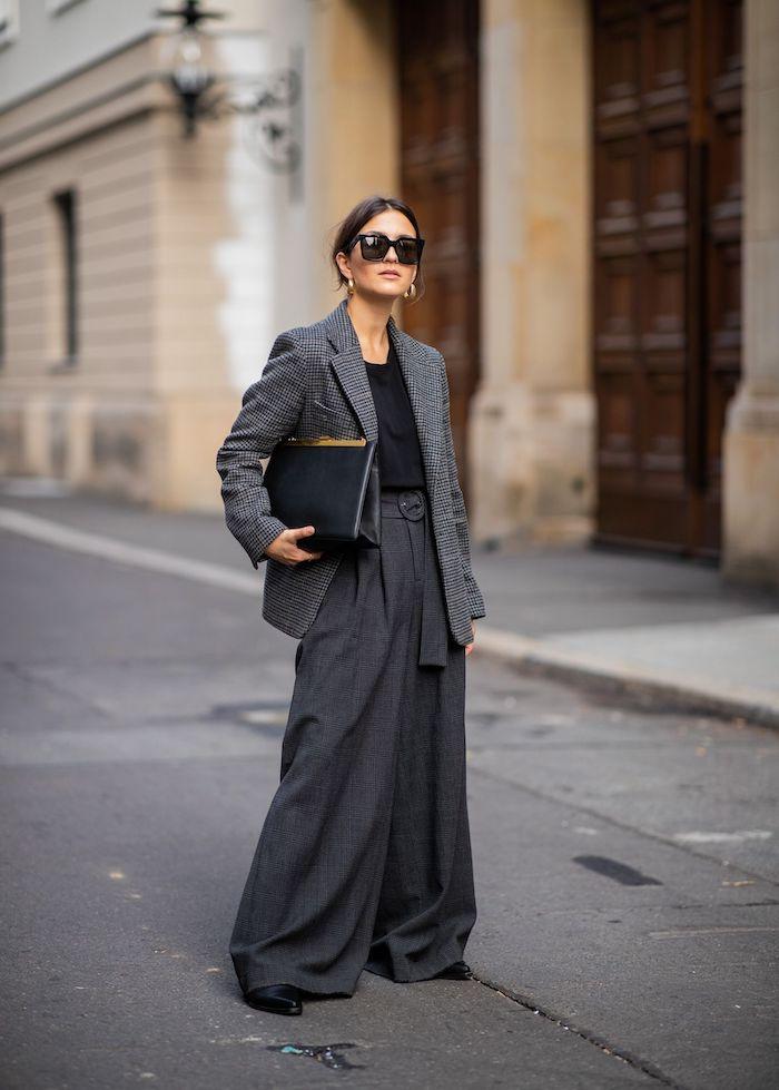 une idée sur comment s habiller aujourd hui pantalons surdimensionnée et une veste aux meme motifs